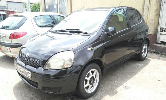 Voiture à vendre Toyota Vitz Noir - Kinshasa - Bandalungwa