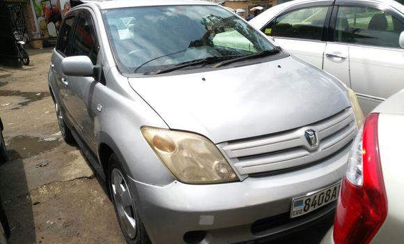 Voiture à vendre Toyota IST Gris - Kinshasa - Bandalungwa
