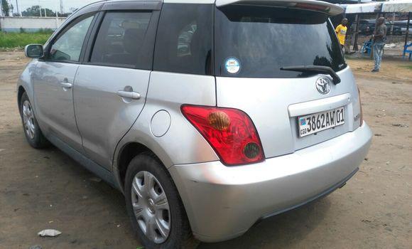 Voiture à vendre Toyota IST Gris - Kinshasa - Kalamu