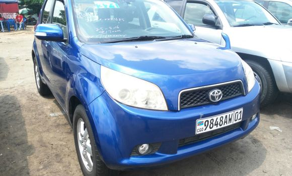 Voiture à vendre Toyota Runx Bleu - Kinshasa - Kalamu