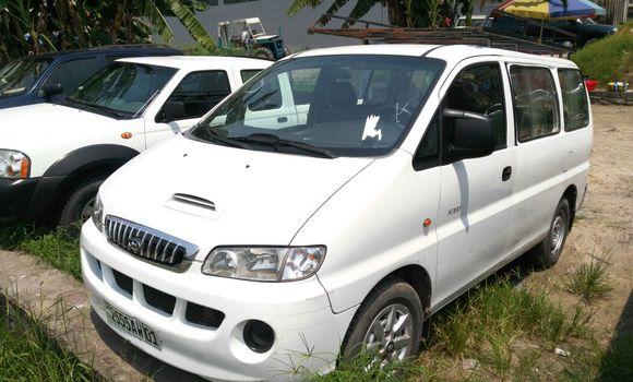 Utilitaire à vendre Hyundai H200 Blanc - Kinshasa - Limete