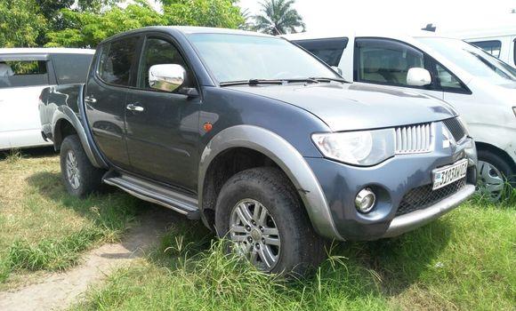 Voiture à vendre Mitsubishi L200 Bleu - Kinshasa - Limete