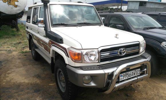 Voiture à vendre Toyota Land Cruiser Blanc - Kinshasa - Kalamu