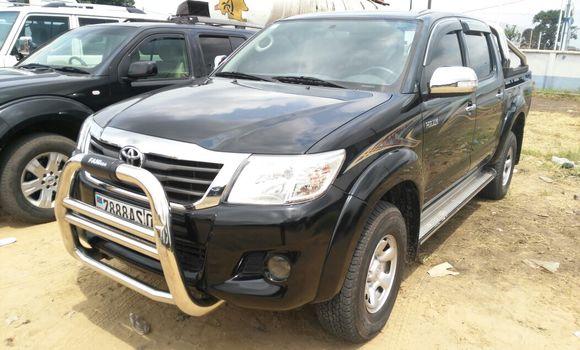 Voiture à vendre Toyota Hilux Noir - Kinshasa - Kalamu
