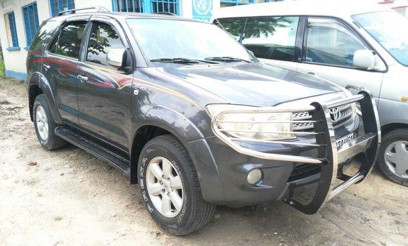Voiture à vendre Toyota Fortuner Gris - Kinshasa - Limete