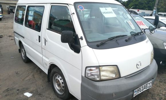 Voiture à vendre Mazda Bongo Blanc - Kinshasa - Ngaliema