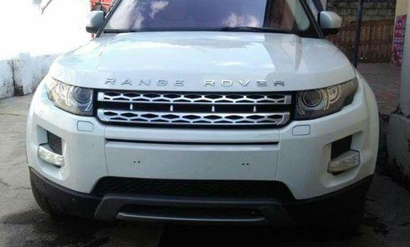 Voiture à vendre Land Rover Range Rover Evoque Blanc - Kinshasa - Lemba