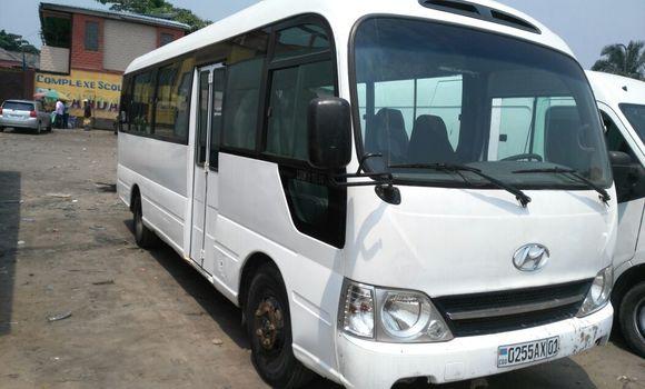 Voiture à vendre Hyundai County Blanc - Kinshasa - Kasa Vubu