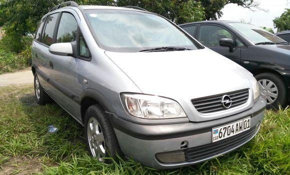 Voiture à vendre Opel Zafira Gris - Kinshasa - Limete