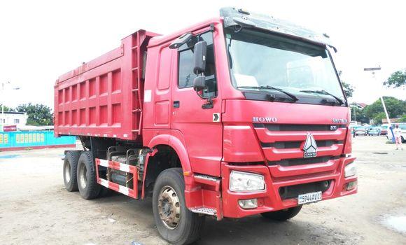 Utilitaire à vendre Sinotruk Howo Rouge - Kinshasa - Bandalungwa