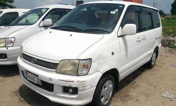 Voiture à vendre Toyota Noah Blanc - Kinshasa - Kalamu