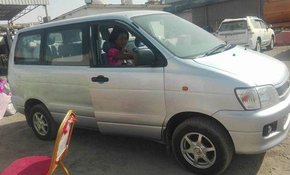 Voiture à vendre Toyota Noah Gris - Kinshasa - Bandalungwa