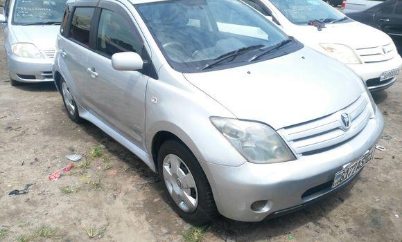 Voiture à vendre Toyota IST Gris - Kinshasa - Kasa Vubu