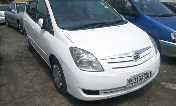 Voiture à vendre Toyota Spacio Blanc - Kinshasa - Kasa Vubu