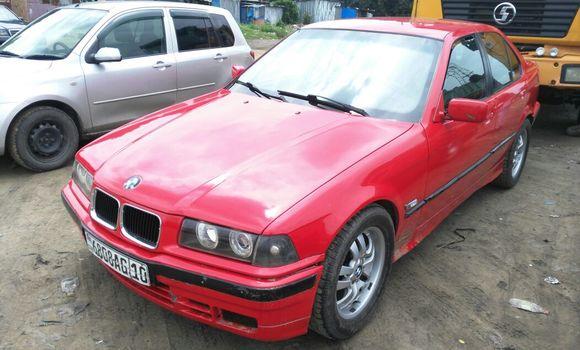 Voiture à vendre BMW 308i Rouge - Kinshasa - Kalamu