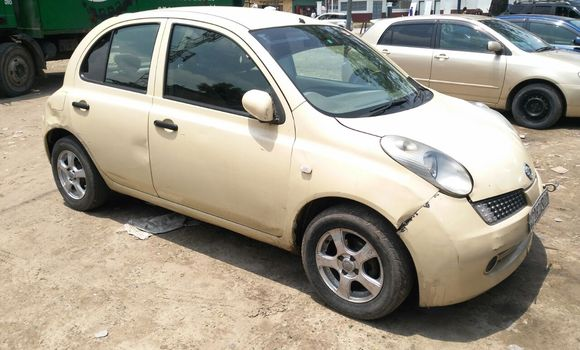 Voiture à vendre Nissan March Beige - Kinshasa - Bandalungwa