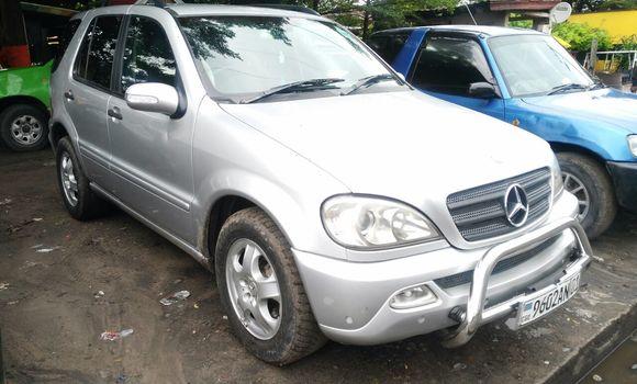 Voiture à vendre Mercedes Benz ML-Class Gris - Kinshasa - Lemba