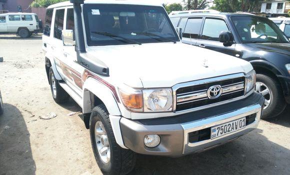 Voiture à vendre Toyota Land Cruiser Blanc - Kinshasa - Kasa Vubu
