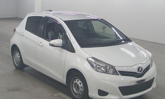 Voiture à vendre Toyota Vitz Blanc - Kinshasa - Bandalungwa