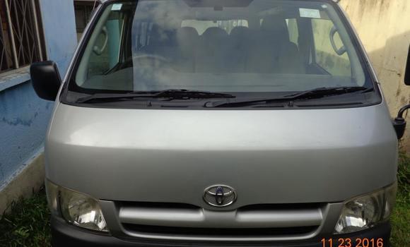 Voiture à vendre Toyota Hiace Gris - Kinshasa - Lingwala