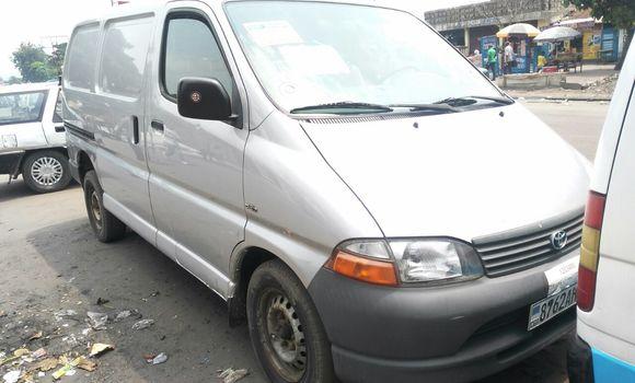 Voiture à vendre Toyota Hiace Gris - Kinshasa - Ndjili