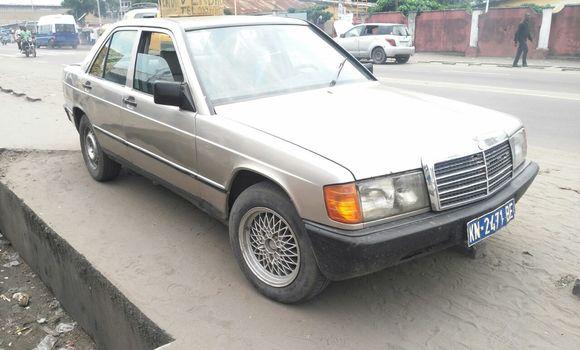 Voiture à vendre Mercedes Benz 190 E Gris - Kinshasa - Ndjili