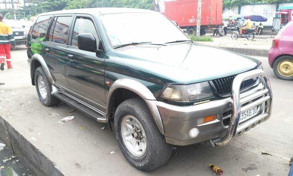 Voiture à vendre Mitsubishi Pajero Vert - Kinshasa - Ndjili