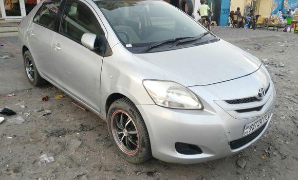 Voiture à vendre Toyota Belta Gris - Kinshasa - Kasa Vubu
