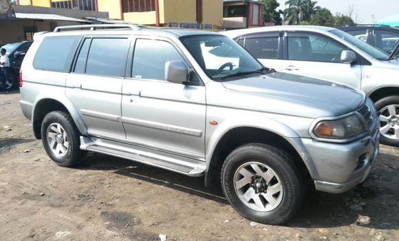 Voiture à vendre Mitsubishi Pajero Gris - Kinshasa - Kasa Vubu