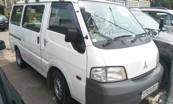 Voiture à vendre Mitsubishi Delica Blanc - Kinshasa - Gombe