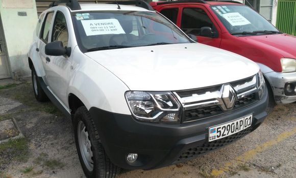 Voiture à vendre Renault Duster Blanc - Kinshasa - Gombe