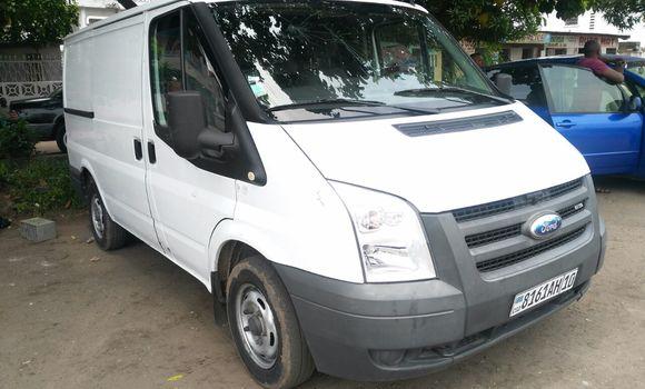 Voiture à vendre Ford Transit Blanc - Kinshasa - Lemba