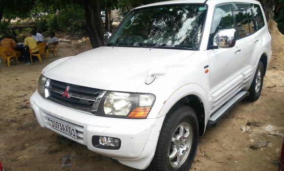 Voiture à vendre Mitsubishi Pajero Blanc - Kinshasa - Kalamu