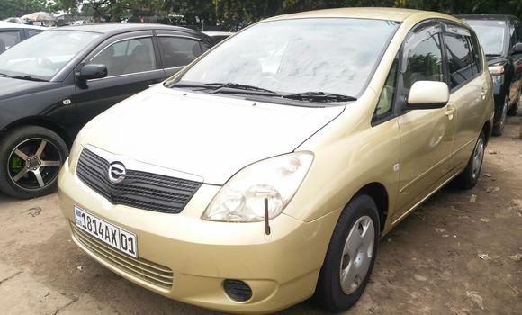 Voiture à vendre Toyota Spacio Vert - Kinshasa - Kalamu