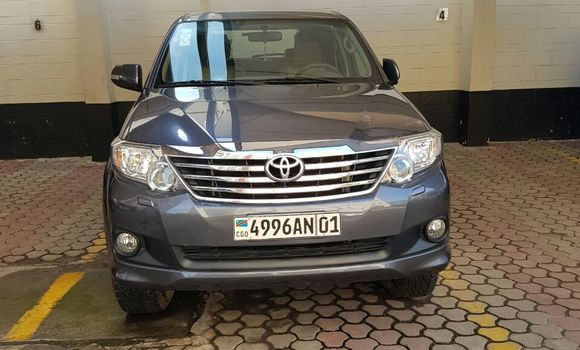 Voiture à vendre Toyota Fortuner Gris - Kinshasa - Gombe