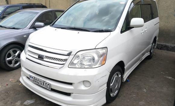 Voiture à vendre Toyota Noah Blanc - Kinshasa - Bandalungwa