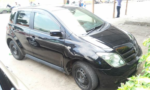 Voiture à vendre Toyota IST Noir - Kinshasa - Bandalungwa