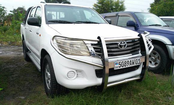 Voiture à vendre Toyota Hilux Blanc - Kinshasa - Limete