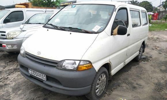 Voiture à vendre Toyota Hiace Blanc - Kinshasa - Limete