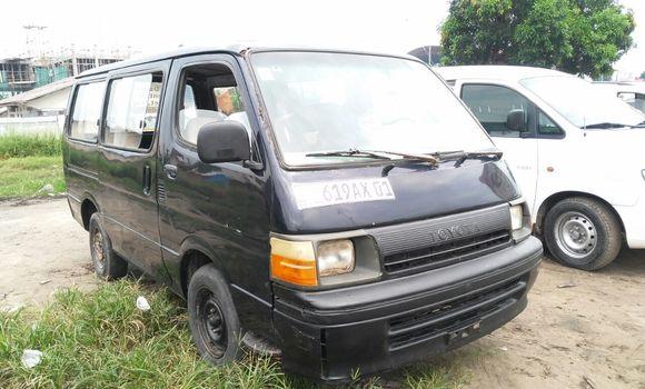 Voiture à vendre Toyota Hiace Bleu - Kinshasa - Limete