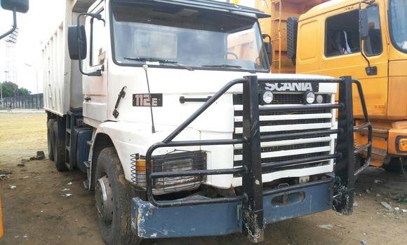 Voiture à vendre Scania 110 Blanc - Kinshasa - Kalamu