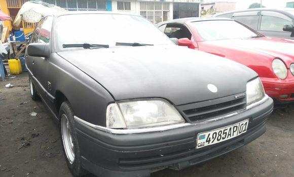 Voiture à vendre Opel Omega Noir - Kinshasa - Bandalungwa