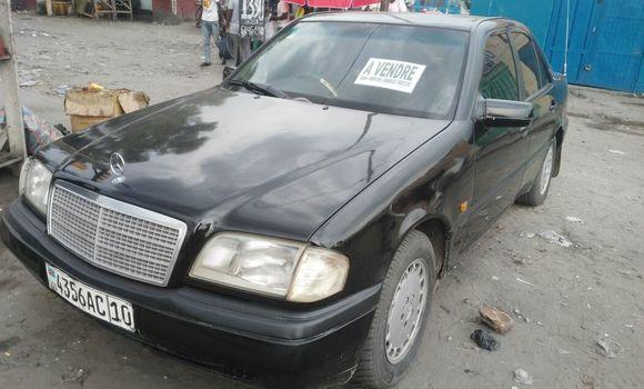 Voiture à vendre Mercedes Benz C-Class Noir - Kinshasa - Kasa Vubu