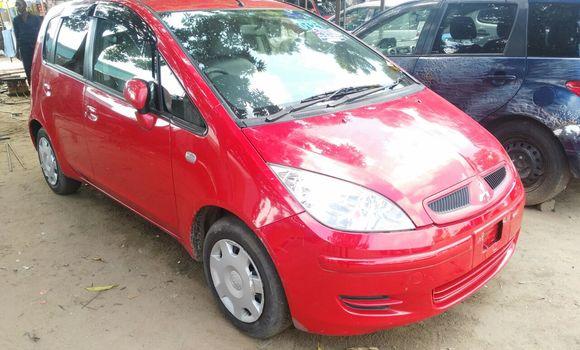 Voiture à vendre Mitsubishi Colt Rouge - Kinshasa - Kalamu