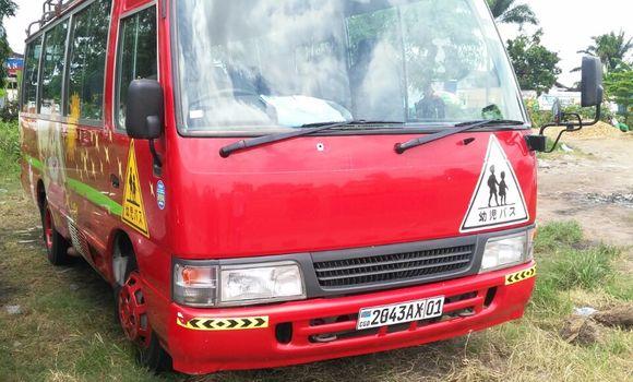 Utilitaire à vendre Toyota Coaster Rouge - Kinshasa - Limete