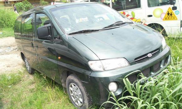Voiture à vendre Hyundai H1 Vert - Kinshasa - Limete