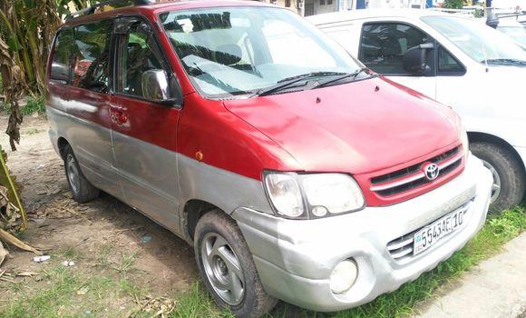 Voiture à vendre Toyota Noah Gris - Kinshasa - Limete