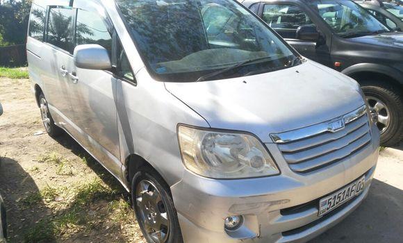Voiture à vendre Toyota Noah Gris - Kinshasa - Ngaliema