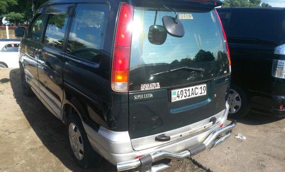 Voiture à vendre Toyota Noah Vert - Kinshasa - Ngaliema