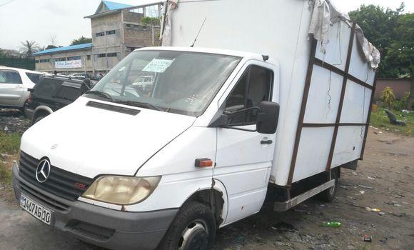Voiture à vendre Mercedes Benz Sprinter Blanc - Kinshasa - Ngaliema